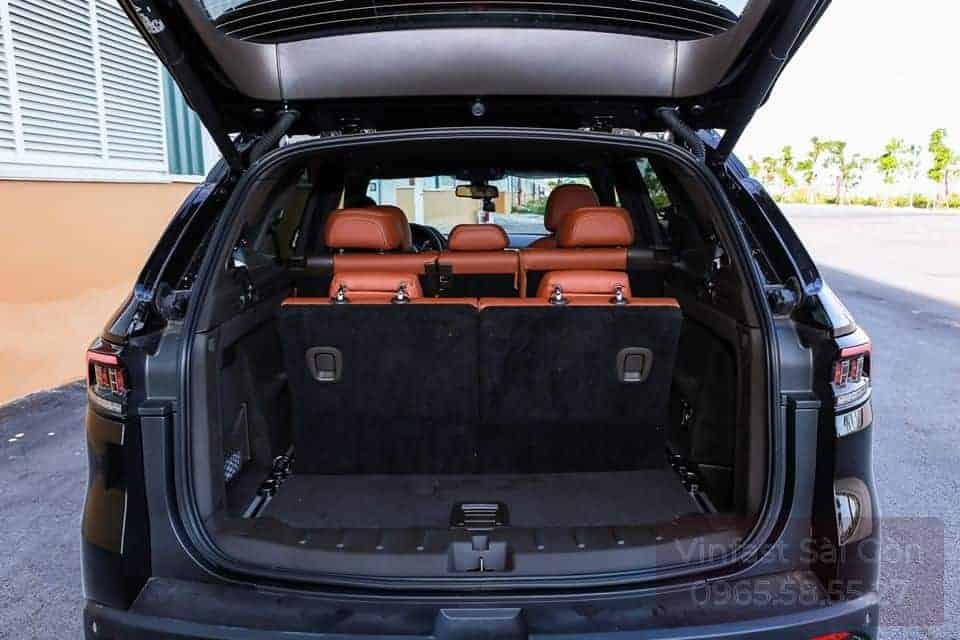 Khoang chứa đồ xe VinFast Lux SA2.0 khi dựng hàng ghế thứ 3