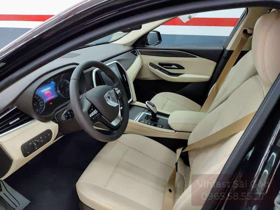 khoang Nội Thất hàng ghế trước với ghế da nappa Màu Trắng trên Xe VinFast Lux SA2.0