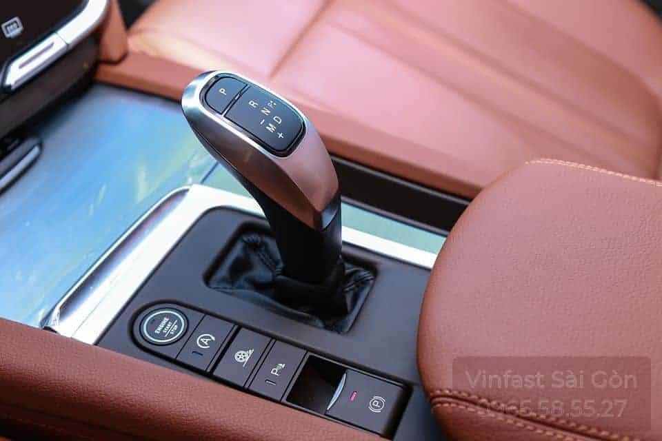 Hộp số tự động ZF trên xe VinFast Lux SA2.0