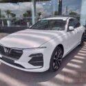 ngoại thất xe vinfast lux a bản cao cấp màu trắng brahminy white
