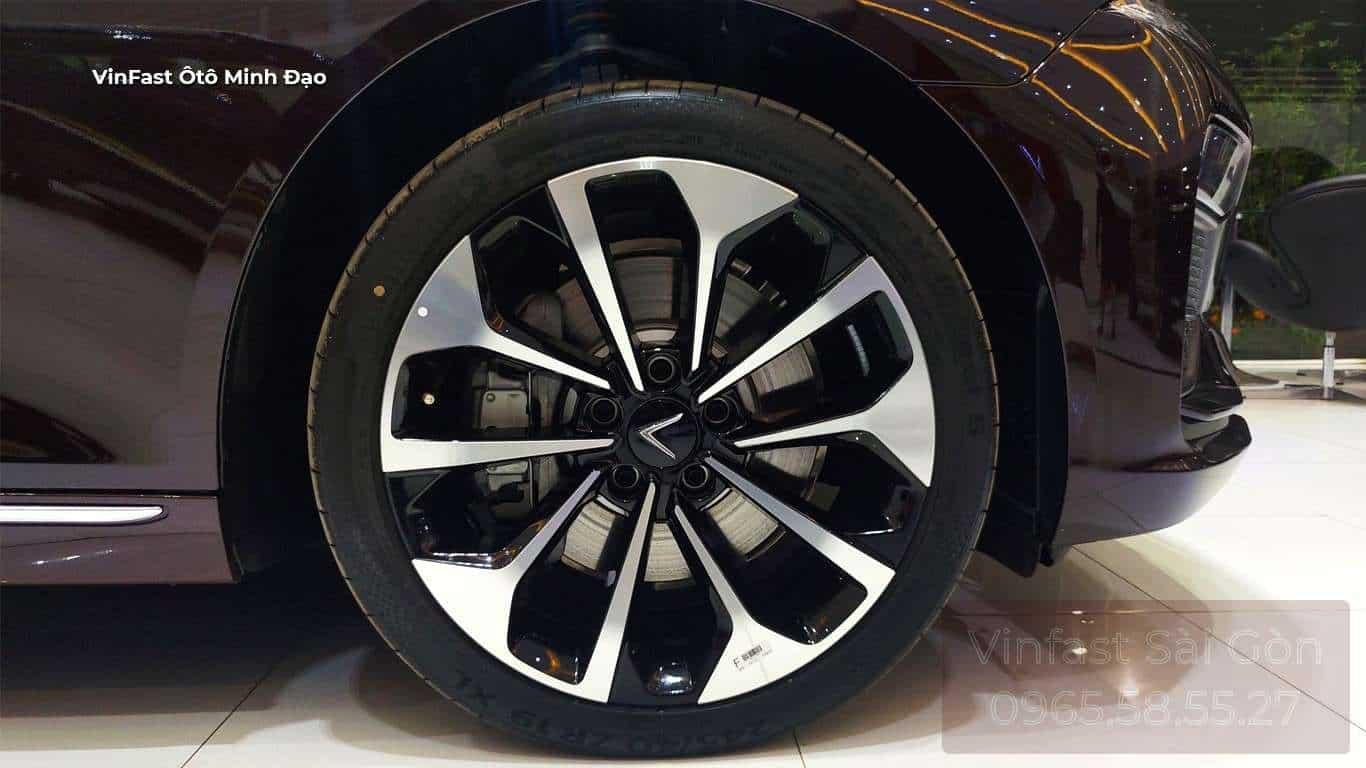 Mâm bánh xe VinFast Lux A2.0 2021 bản cao cấp