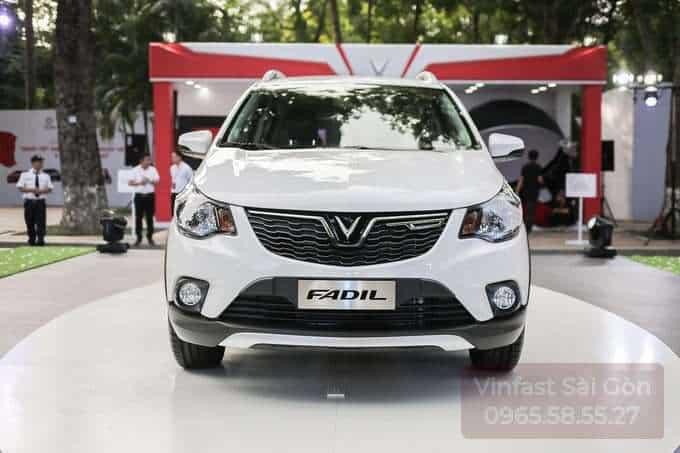 Phần đầu xe VinFast Fadil màu trắng