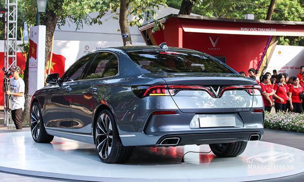 duoi-xe-vinFast-lux-a20-2019-sedan-muaxegiatot-vn-5