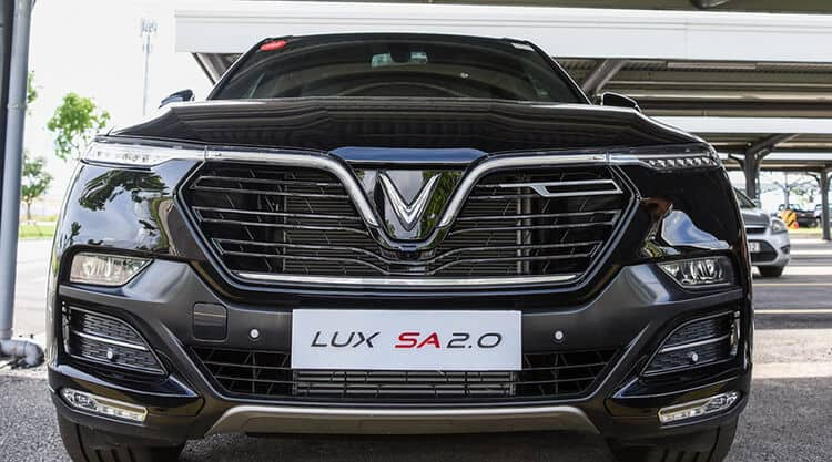Đầu xe thiết kế Lux SA2.0 sang trọng