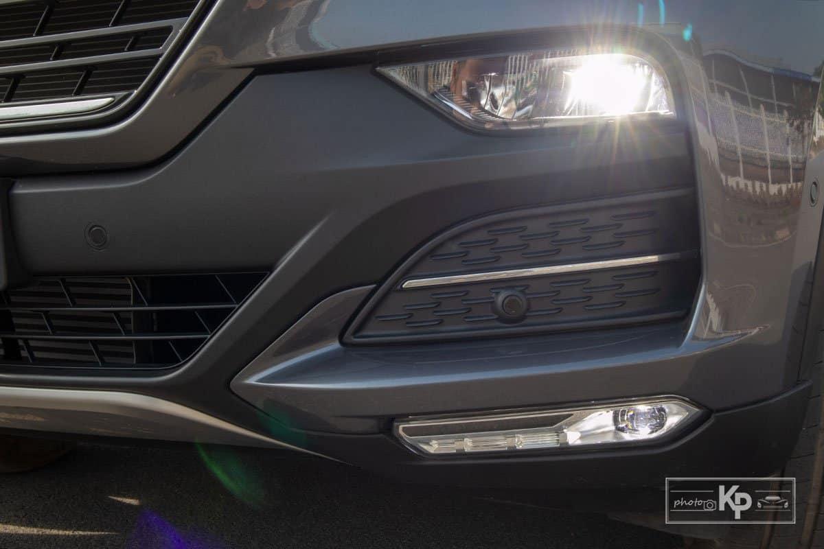 Ảnh Đèn pha xe VinFast Lux SA2.0 2021