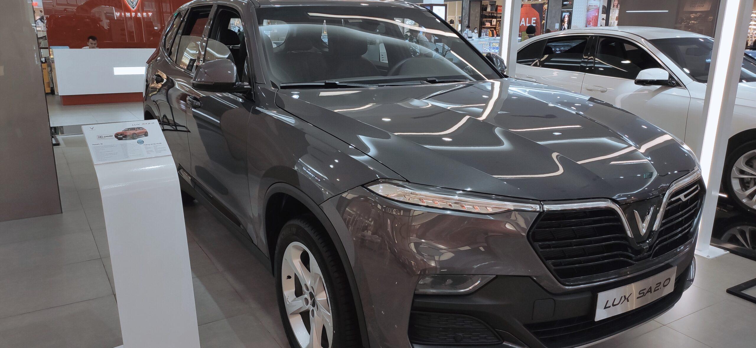 xe vinfast lux sa2.0 màu xám bản tiêu chuẩn
