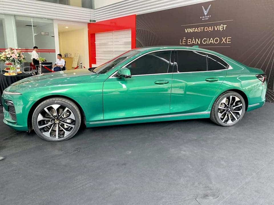 xe vinfast lux a 20 mau xanh luc