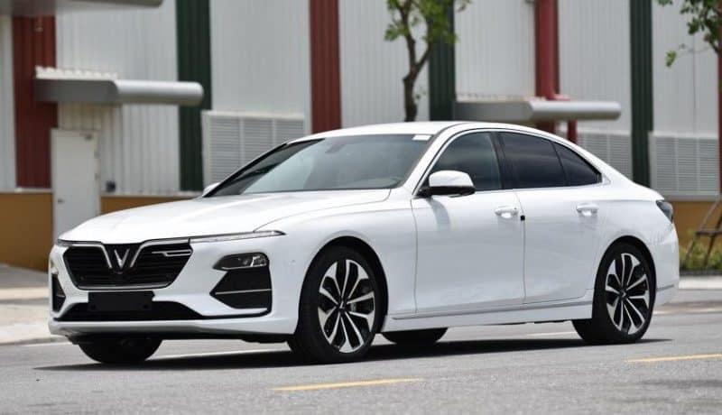Đánh giá xe VinFast Lux A2.0 2021 đầy cuốn hút. Giá bình dân