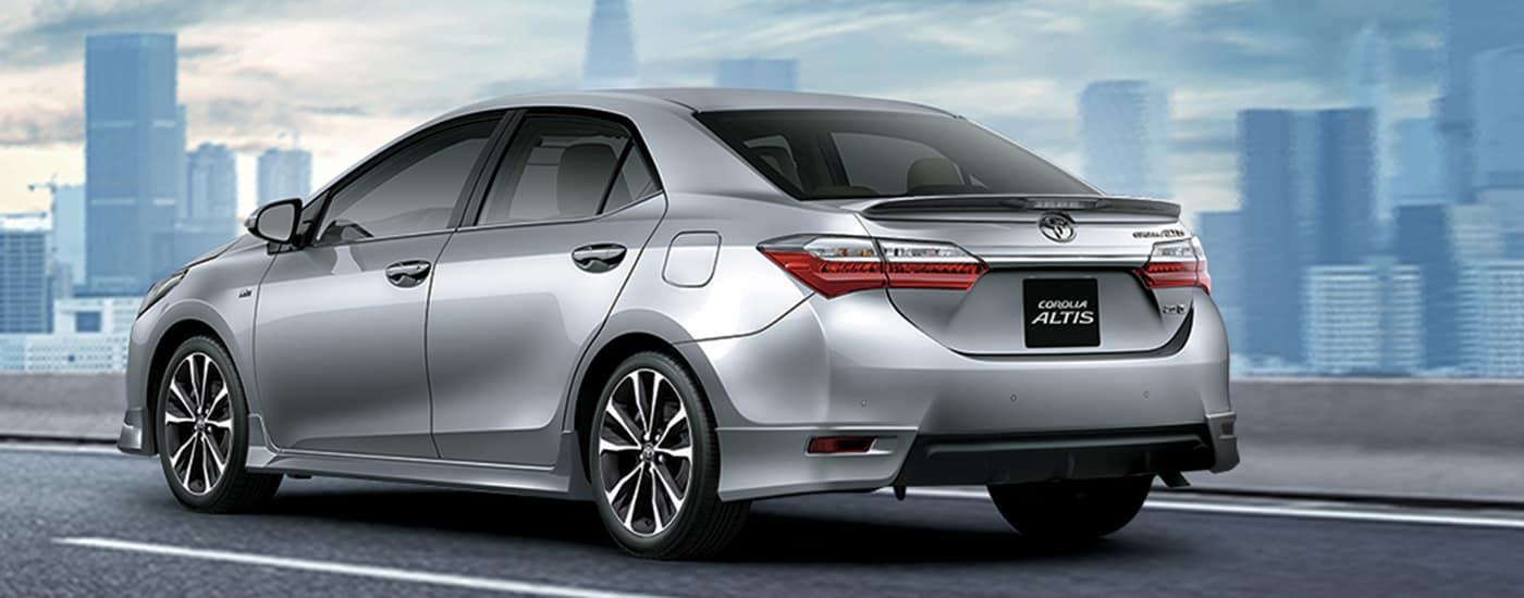 Toyota Altis Luxury 2.0V CVT 2021: Giá Bán + Khuyến Mãi Hấp Dẫn