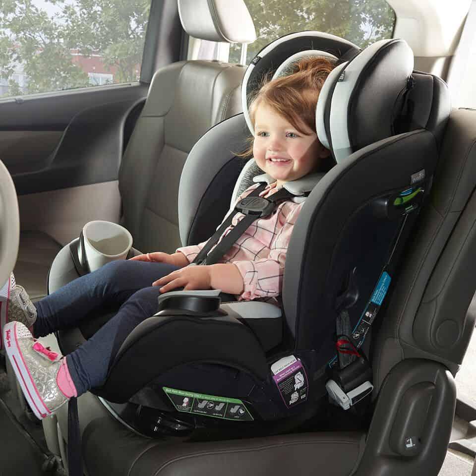 Cách lắp và sử dụng ghế ngồi ô tô cho bé an toàn, hiệu quả - META.vn