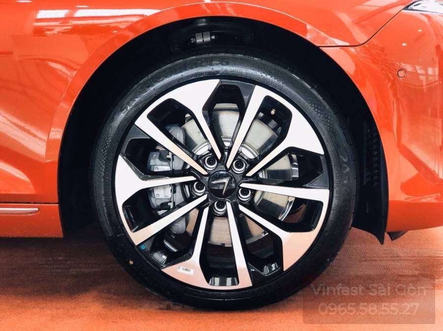 lốp xe vinfast lux a2.0 màu cam bản cao cấp