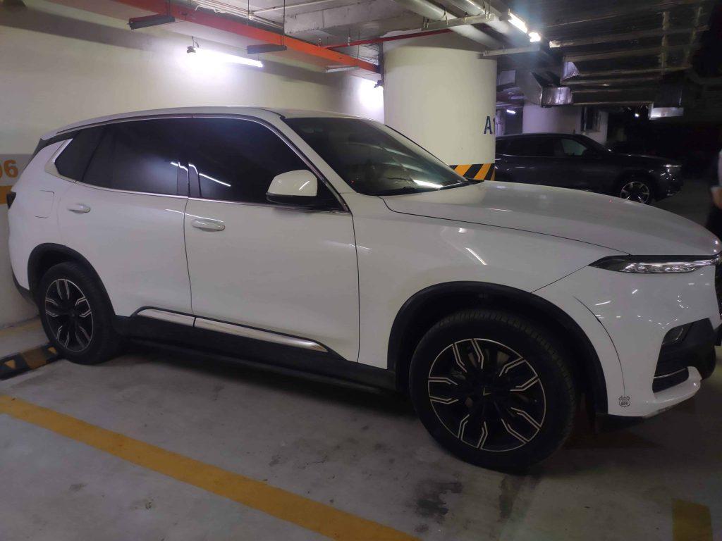 Xe VinFast Lux SA2.0 màu trắng