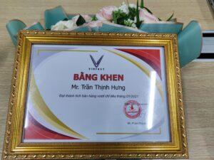 Bằng khen đạt thành tích vượt chỉ tiêu của Mr. Trần Thịnh Hưng